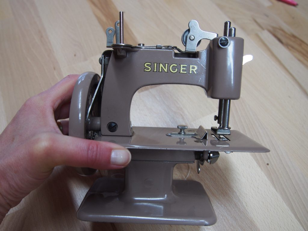 Machine A Coudre Ancienne baby singer, machine à coudre ancienne pour enfant - les